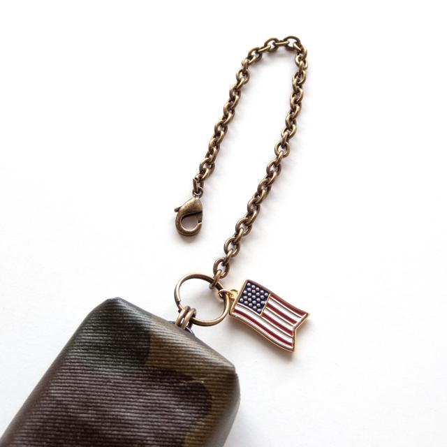 バッグチャーム(迷彩 国旗 アメリカ USA)先端金具アップ